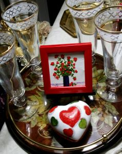 Valentine's tray with glasses