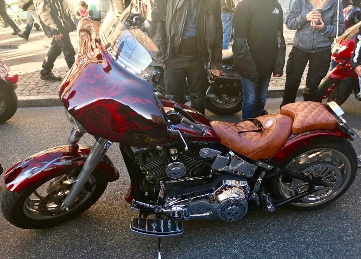 Customized Harley Davidson MC er altid seværdigt på Nørrebrogade til MC-træf :-)