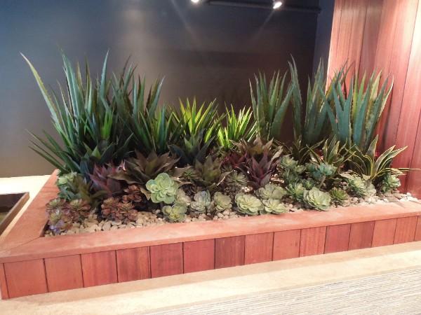 Make Be-Leaves Succulent Plantings