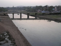 View of the Mutha Mula flowing through Pune