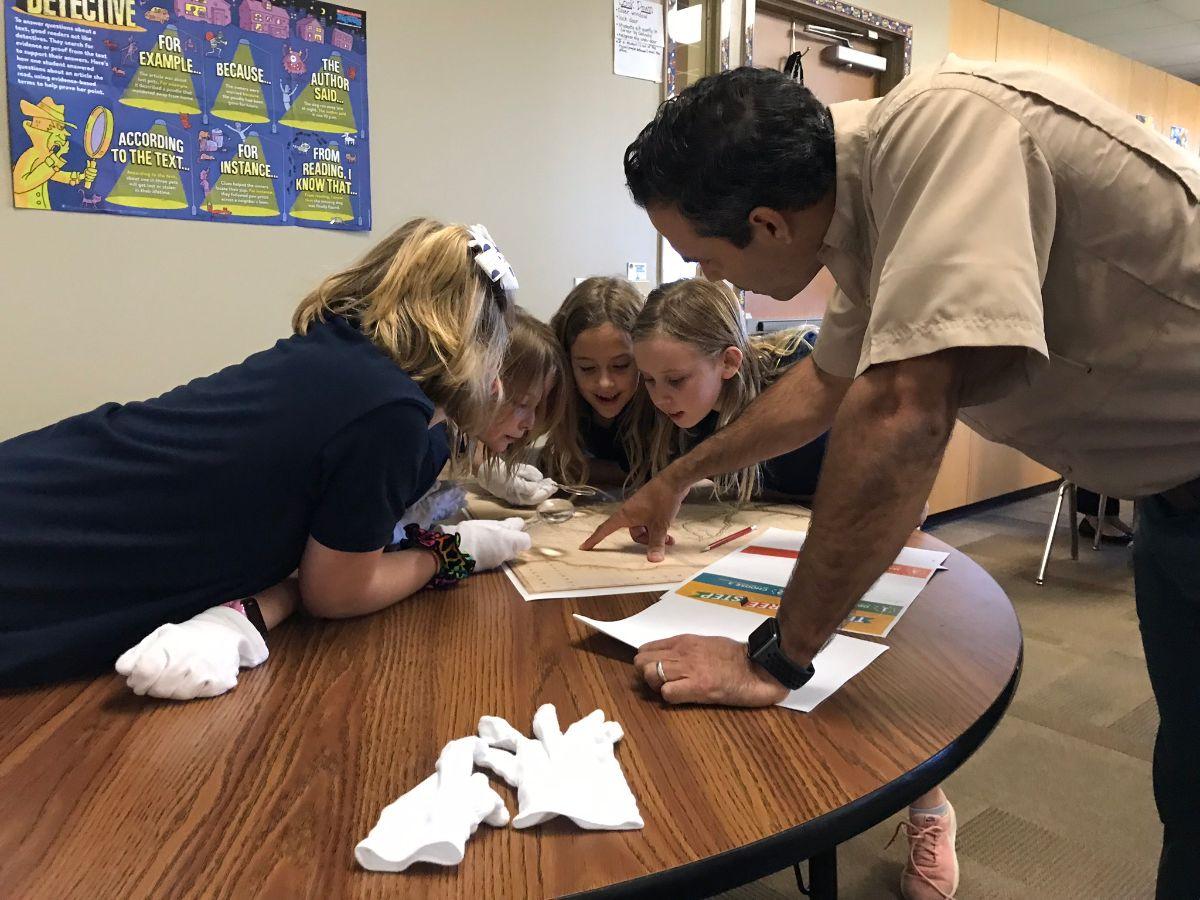 Commissioner teaching schoolchildren 4