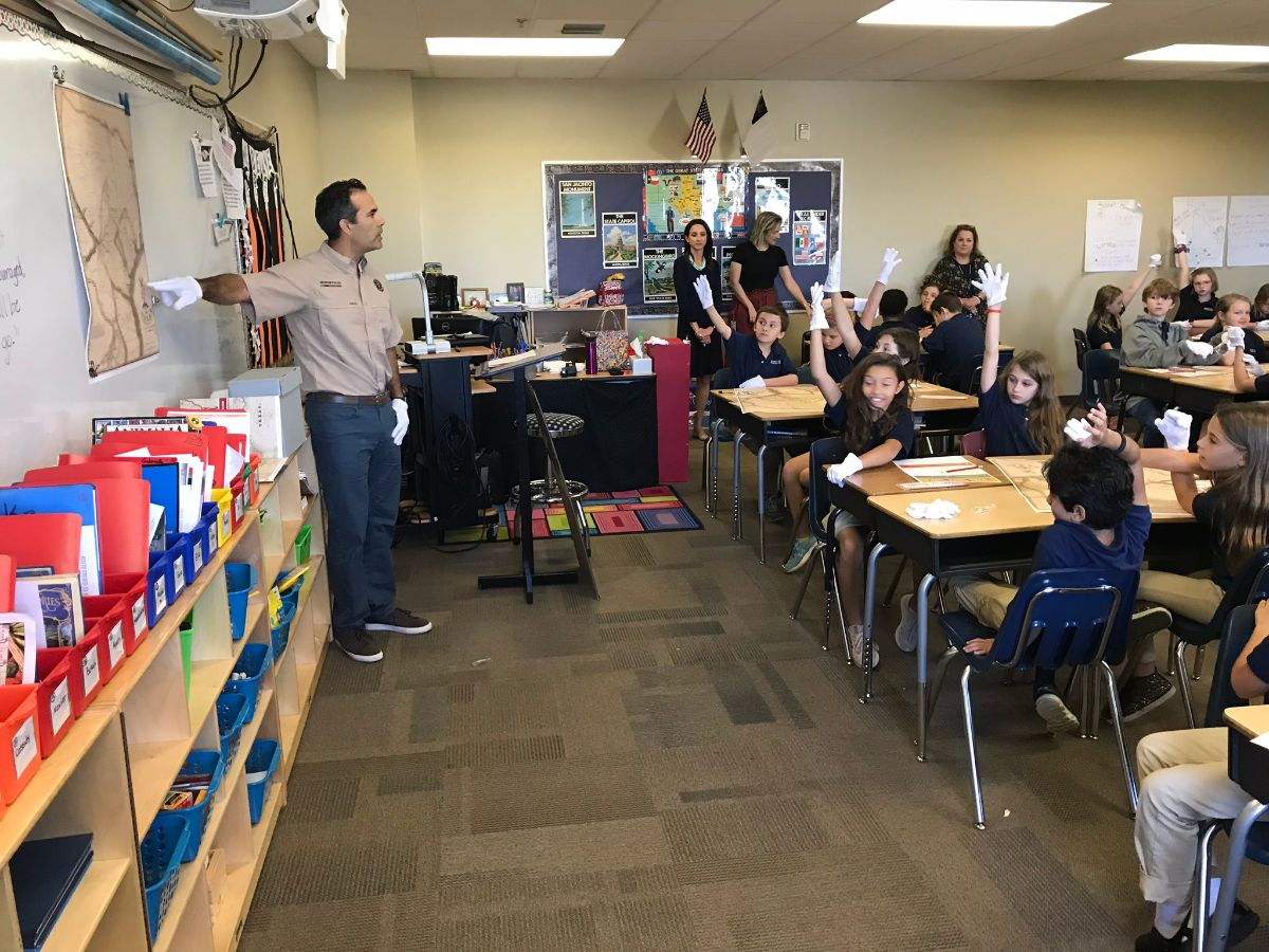 Commissioner teaching schoolchildren 3