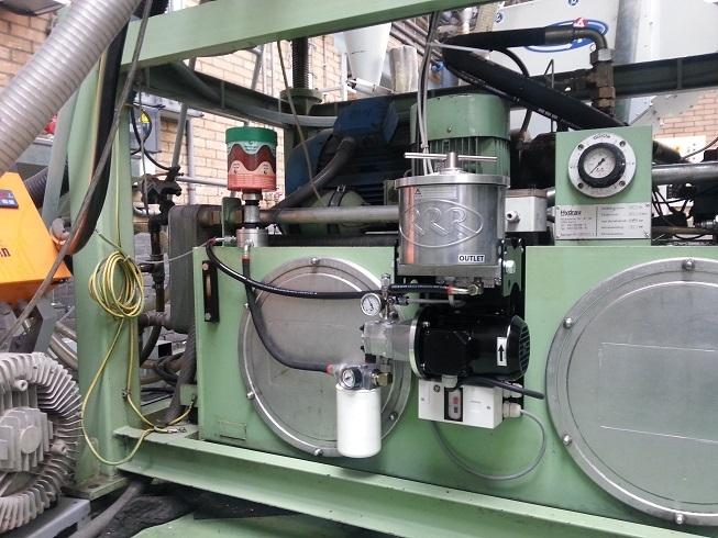 Ubrizgavalica sa prigrađenom filtarskom jedinicom Triple R SE 100