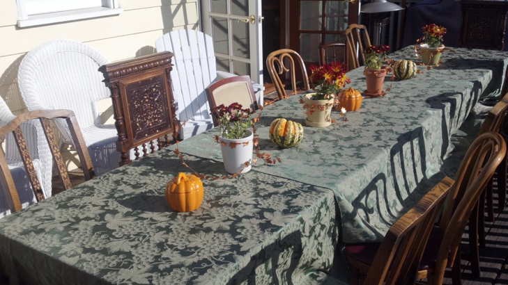 Setting up for Thanksgiving.
