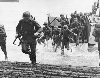 Soldiers Storm OMAHA Beach