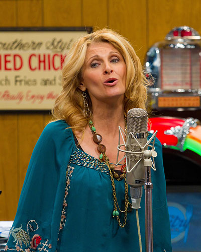 Linda Davis on Larry's Country Diner