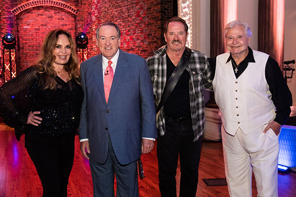 Catherine Bach, Gov. Mike Huckabee, Tom Wopat, Ben Jones