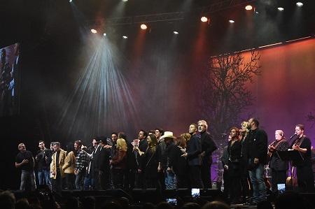 Randy Travis Tribute all-sing