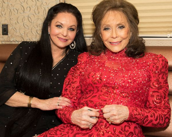 Crystal Gayle and Loretta Lynn (photo by Jeremy Westby)