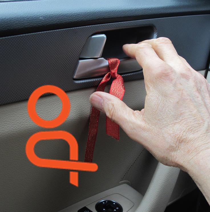 Dutch reach reminder ribbon