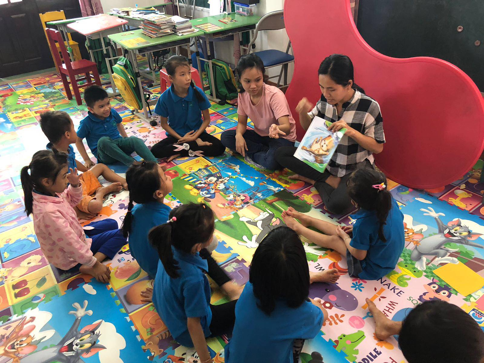 Chances for Children International supports education for deaf children in Vietnam.