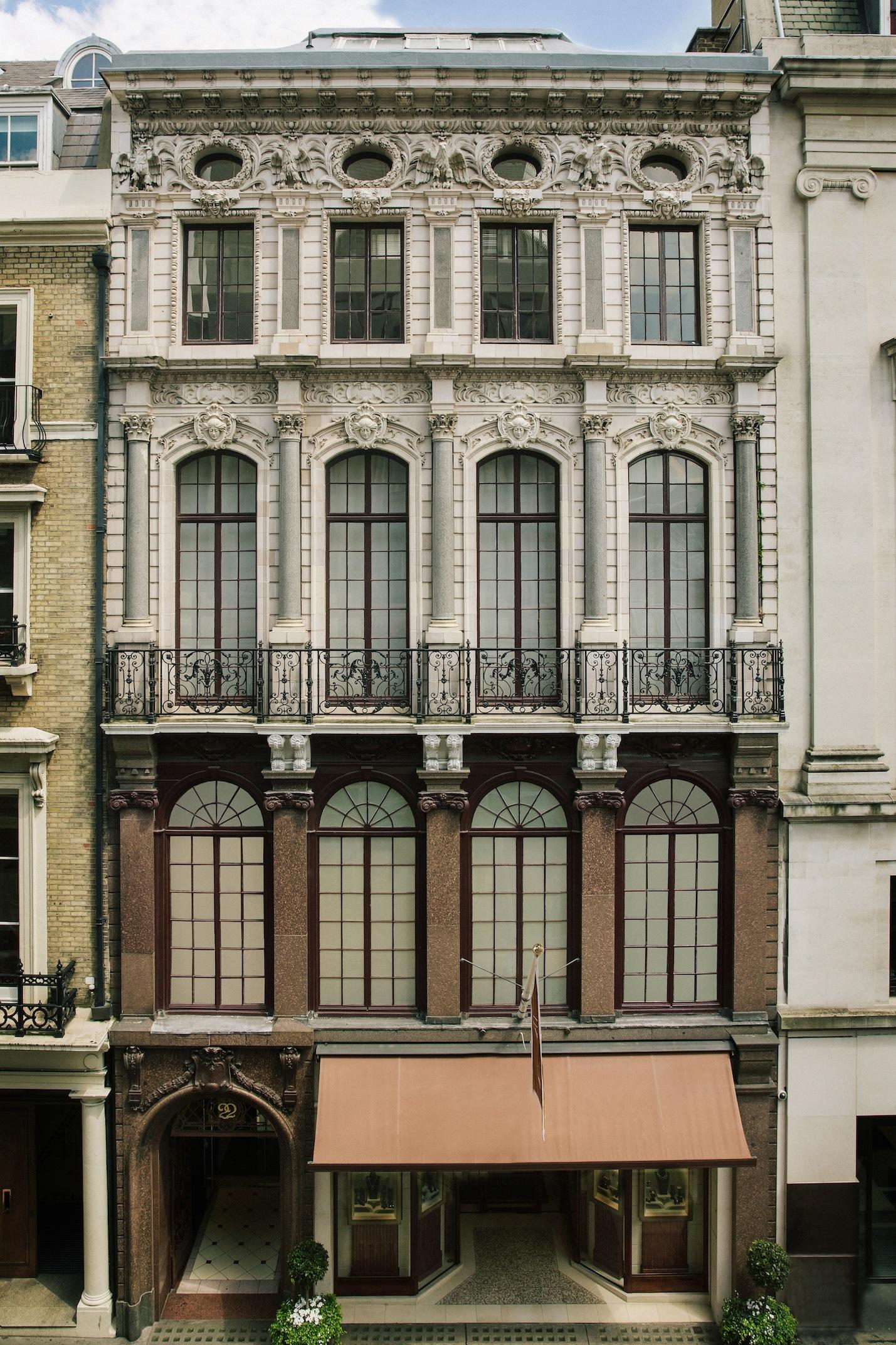 DOMINIQUE LÉVY ABRE NUM NOVO ESPAÇO EM LONDON NO OLD BOND STREET.