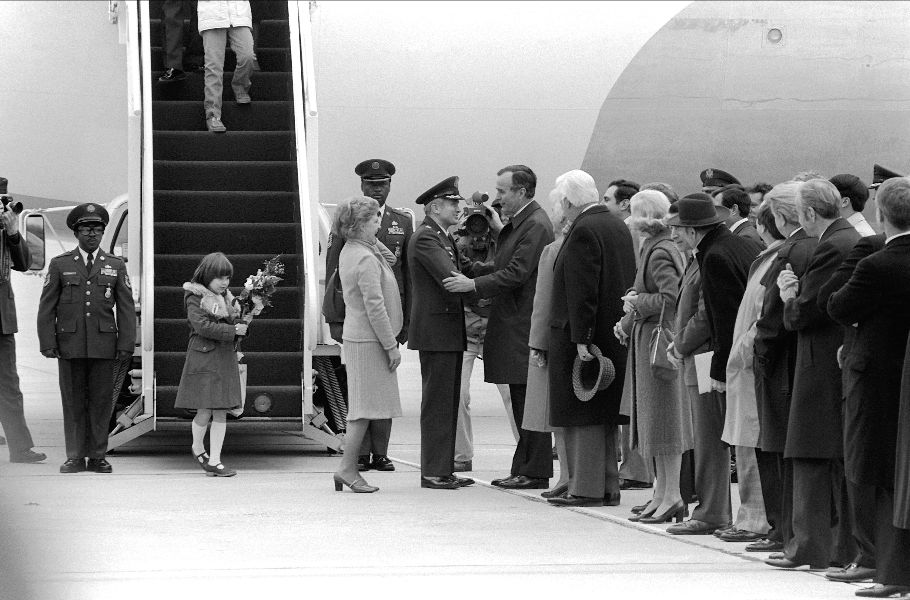 Vice President George Bush welcomes COL Thomas E. Schaefer home after his release from Iran where he was held hostage