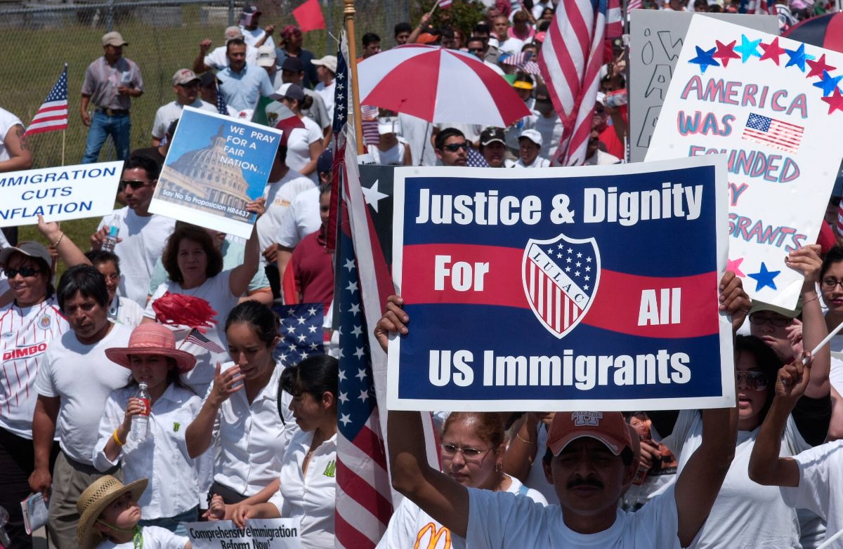 Demonstration by Hispanics [and other groups] on behalf of immigrant rights