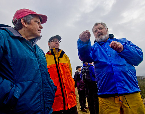 UCSC Professor Dan Costa discusses his elephant seal research with UC President Janet Napolitano