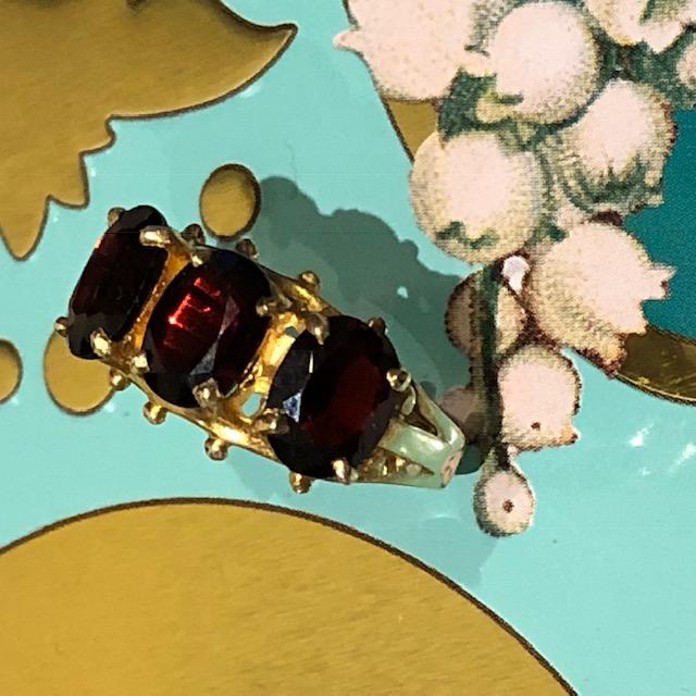 Glittering Garnet Triumvirate 1970s Ring