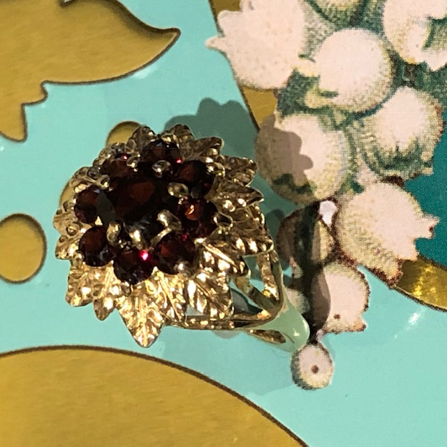 Glittering Garnet Flower Power Gold 1970s Ring