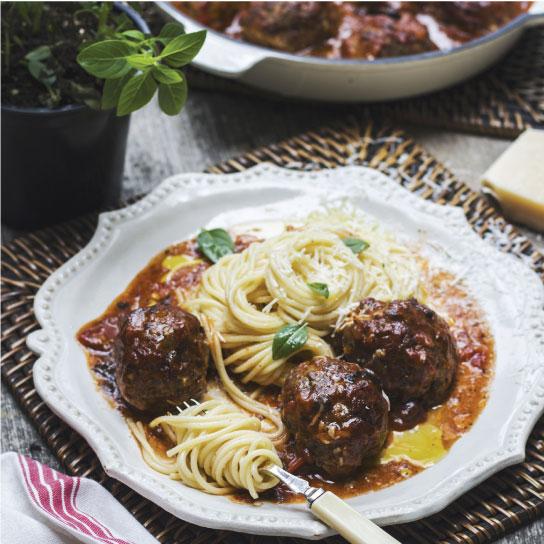 Meatballs with roast mushroom sauce