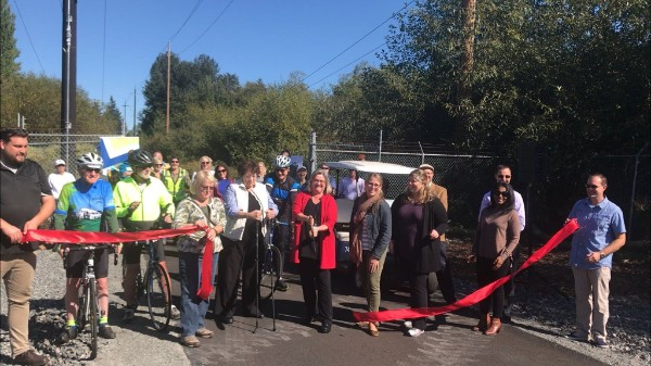 Ribbon cutting on Interurban Trail in Lynnwood