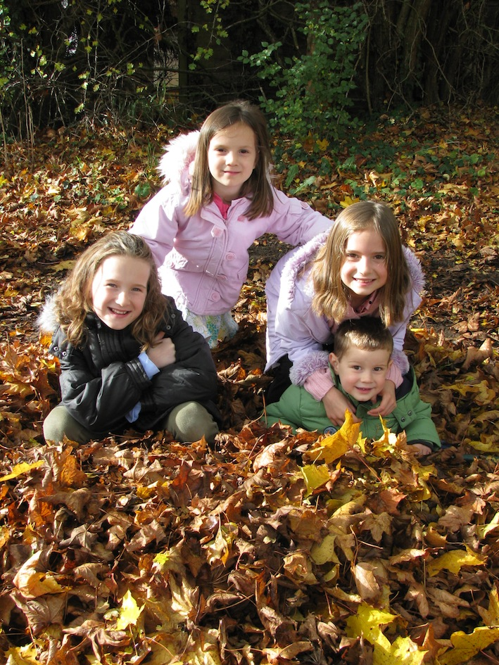 Four happy leaf players