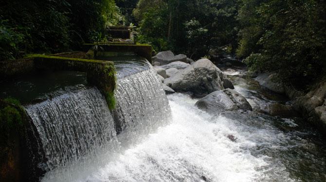 Represa de la micro central hidroeléctrica de Palmor; Ciénaga, Magdalena, Sierra Nevada de Santa Marta; Foto: Juan Daniel Correa