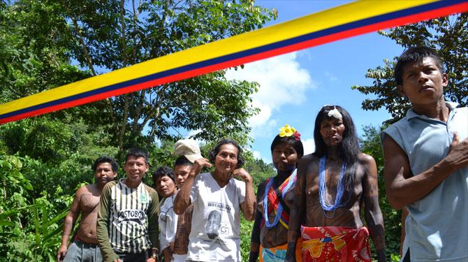 """La comunidad indígena de """"El Yucal"""" inaugura la casa de máquinas de su micro central hidroeléctrica; Nuquí, Chocó; foto: Juan Daniel Correa"""