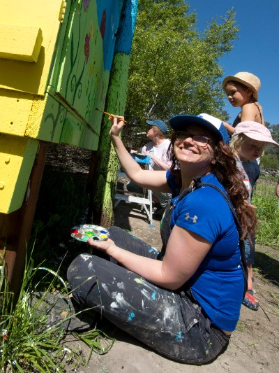Volunteers paint our new hatchery.