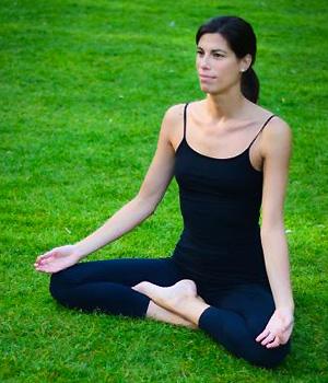 Veronica Noseda posture lotus yoga nature
