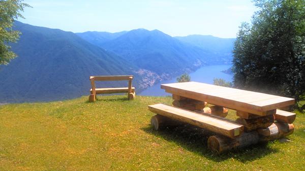 Der Picknick und Aussichtsplatz der Gemeinde Pigra