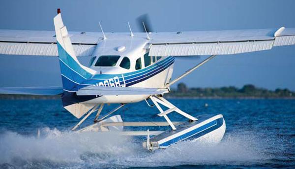 Ein Wasserflugzeug aus der Flotte des AERO CLUB COMO