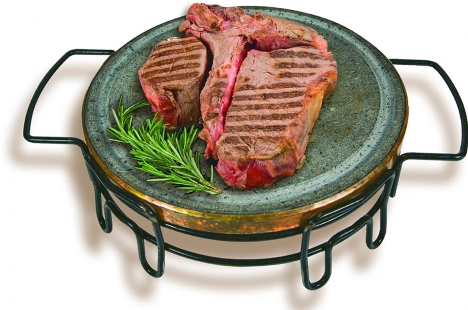 T-Bone-Steak auf Lavastein