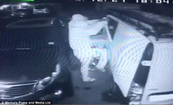 Tool theft on CCTV