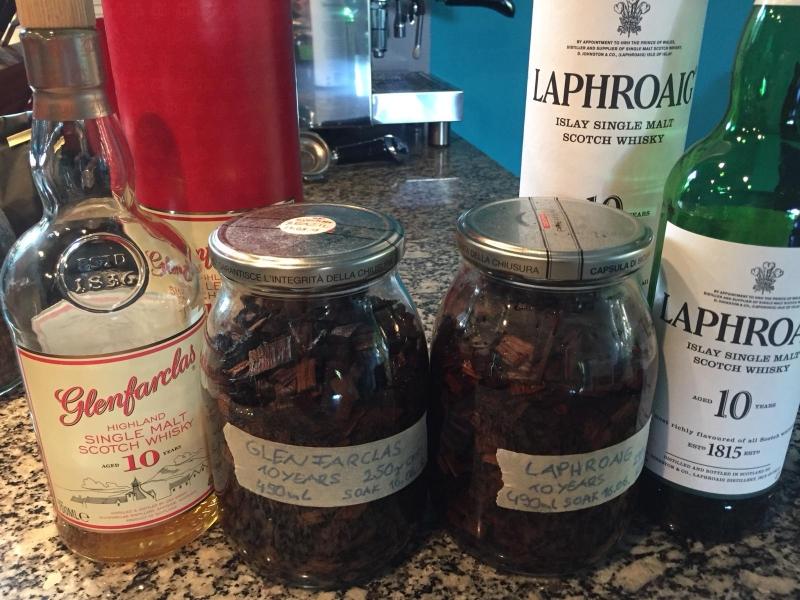 In Whisky eingelegte Holzchips