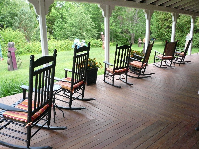 Rocking chairs on the porch at Yellow House