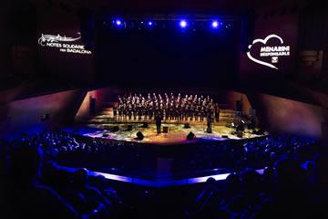 """El concierto """"Gospel & Jazz, notas solidarias por Badalona"""" reúne a más de 1.800 personas en el Auditori"""