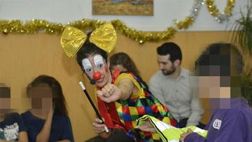 Menarini participa en la fiesta de Navidad del Centro Residencial Maria Assumpta de Badalona