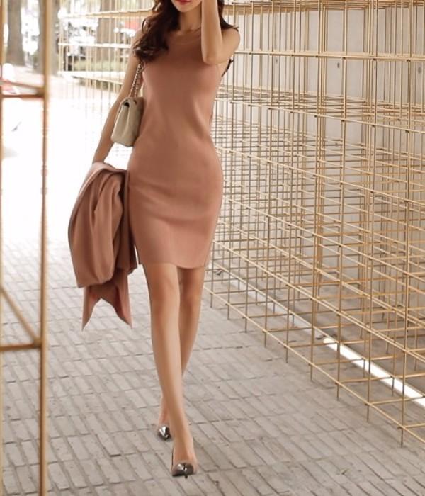 pink dress img