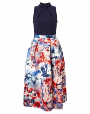 blouses in skirt