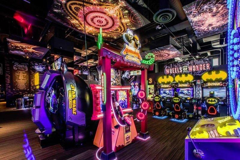 neon arcade games