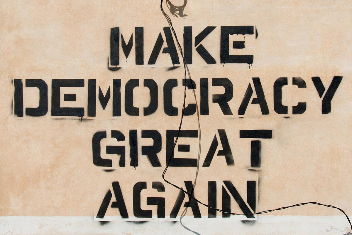 "Graffiti ""Make Democracy Great Again"""