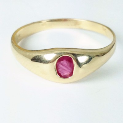 vintage ruby solitaire gold ring
