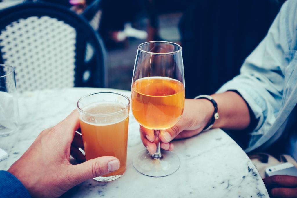 Brinde com cerveja e cidra