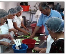 Winrock supports sustainable businesses in El Salvador with tools for entrepreneurs.