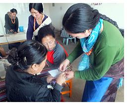 Business training brings results for Tibetan handicraft artisans