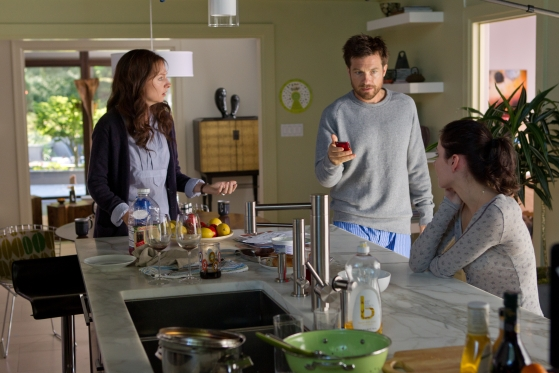 Jason_Bateman_Hope_Davis_and_Haley_Ramm_in_Henry_Alex_Rubins_DISCONNECT.1.jpg