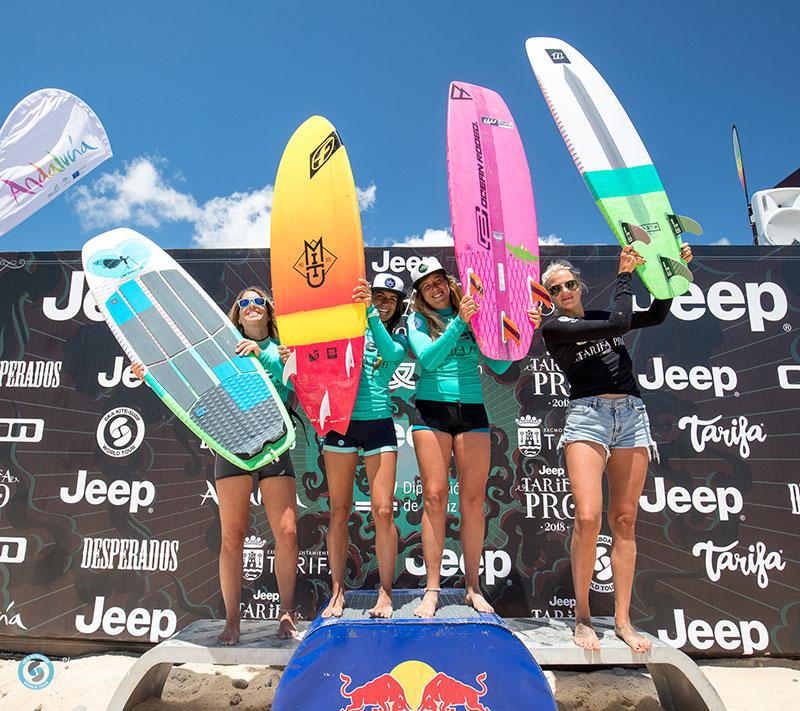 KSWT Women's strapless freestyle podium