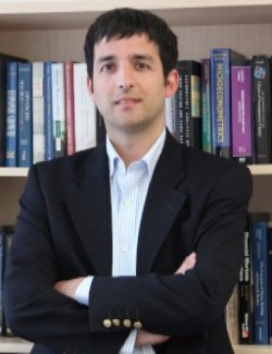 Mauricio Larraín, Roger F. Murray Associate Professor of Finance.