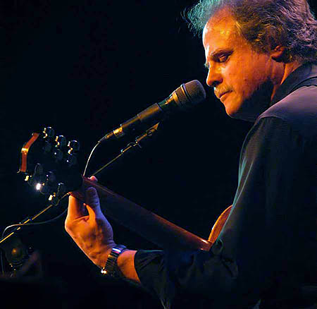 Circle of Friends Coffeehouse: Pat Donohue - April 28