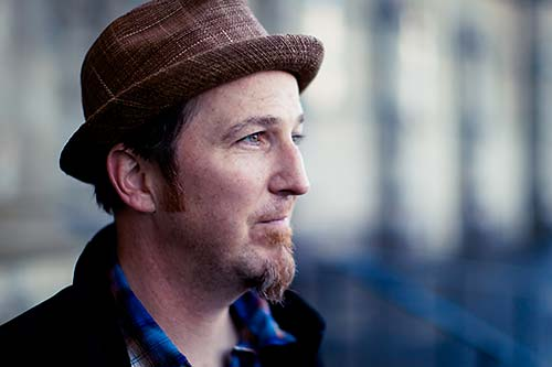 Peter Mulvey at Circle of Friends Coffeehouse - Nov 16 with Pamela Means