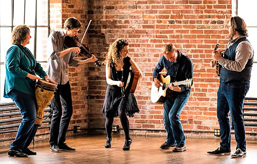 Celtic Band RUNA to play at the Circle of Friends Coffeehouse - Mar 30